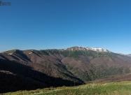 Сутрешната гледка към връх Вежен