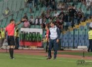 Съдият изгони треньора Петър Хубчев в 18-тата минута