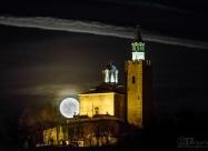 Супер Луна над Царевец