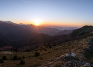Панорама на гледката от Връх Вежен до хижа Ехо
