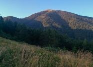 По поляните на Славянка. Поглед към Цари връх