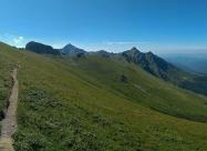 Поглед назад. Горе вляво е връх Костенурката
