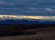 Изгревът над Триглав и връх Ботев