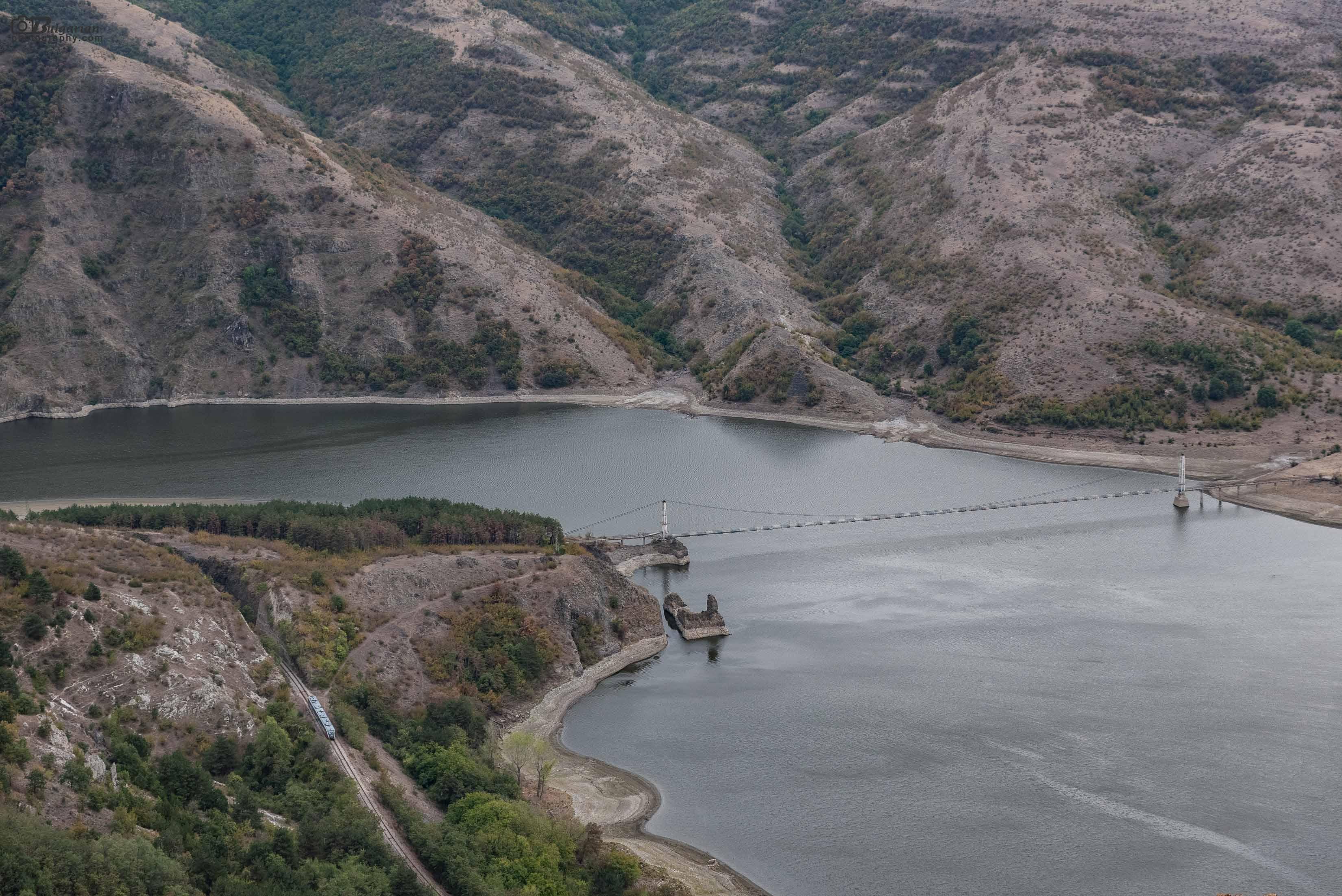 Отново най-дългият въжен мост в България. Този път минава и влак