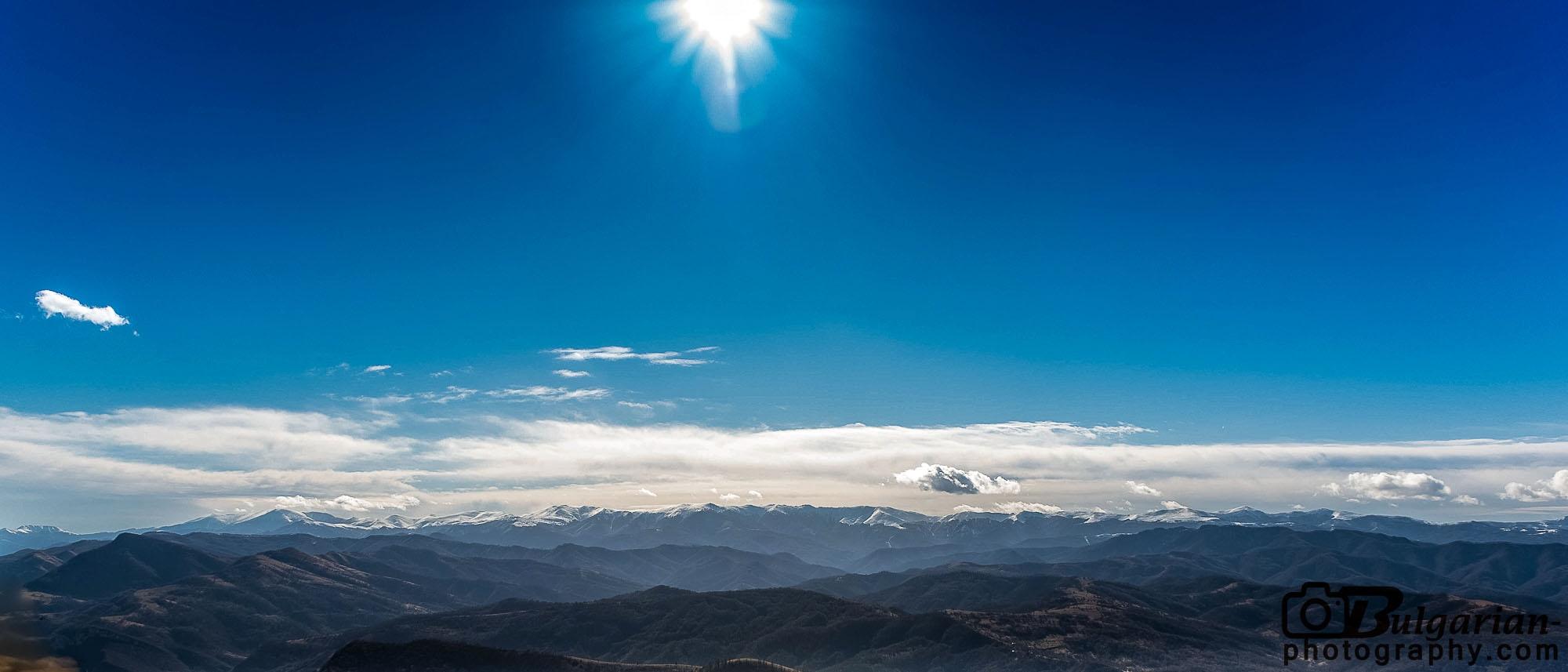 Панорама на Стара Планина от връх Лисец