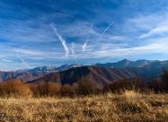 Изглед към Северен Джендем и връх Ботев по пътя за хижа Амбарица