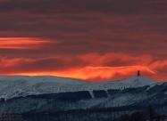 Изгрева, Арката на Свободата на Беклемето и призрака на връх Вежен