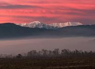 Билото на връх Ботев и сутрешните мъгли