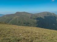 По склона на Цари връх. Поглед към Гоцев връх и Шабран