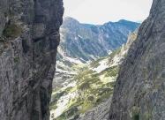 Тази скала в дясно е първият отвесен праг.