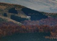 Хижа Амбарица снимана от подножието на връх Ботев