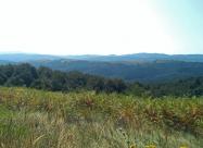 Поглед към хълмовете по които пътувах с кола няколко седмици по-рано