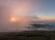 Мъглив изгрев