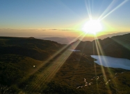 Слънцето над езерото Близнака