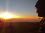 Да наблюдаваш залеза от връх Ботев е наистина приказно, а когато гледаш как Слънцето залязва там, откъдето си минал преди дни, си е направо вълшебно