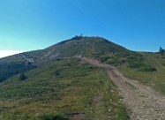 По макадама към хижа Кашана и връх Баба