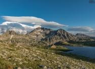 Тевно езеро и връх Каменица