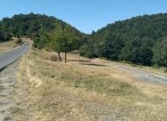 Пресичането на асфалтовият път за село Снягово. Дойдох от черния път в дясно