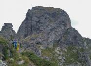 Билото на Орловец. Ако се загледате внимателно горе леко в дясно ще видите човек, който слиза по опасният праг.
