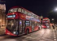 Емблематичните двуетажни автобуси на Лондон