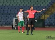 Главният съдия на мача италианеца Паоло Талиавенто негодува срещу Петър Хубчев