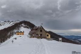 Winter walk to Mazalat hut