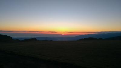 Изгревът от езеро Бъбрека