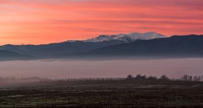 Масива Триглав и сутрешните мъгли