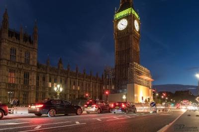 Биг Бен и английският парламент през нощта